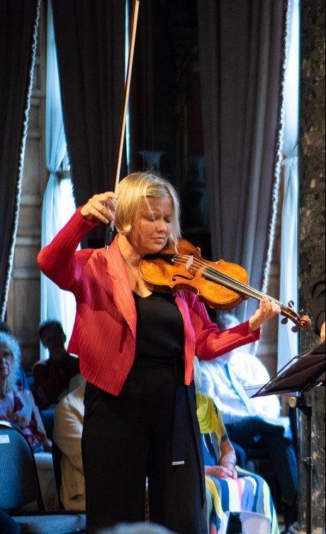 Alina Ibragimova of the Chiaroscuro Quartet